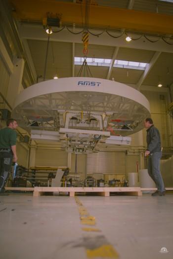 Schwertransport - Überstellung eines Trainings-Simulators der Firma AMST für die Bergrettung Bad Tölz.